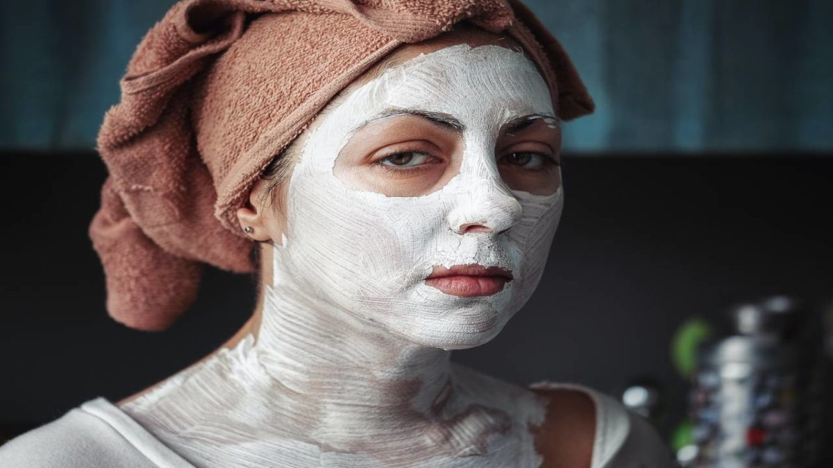 Bleach for the face- Benefits, How to use a facial kit for bleach at home