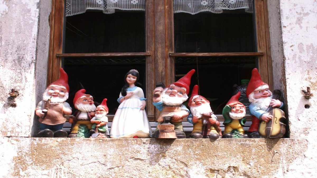 Seven Dwarfs Names – What are the names of all of the 7 dwarfs?