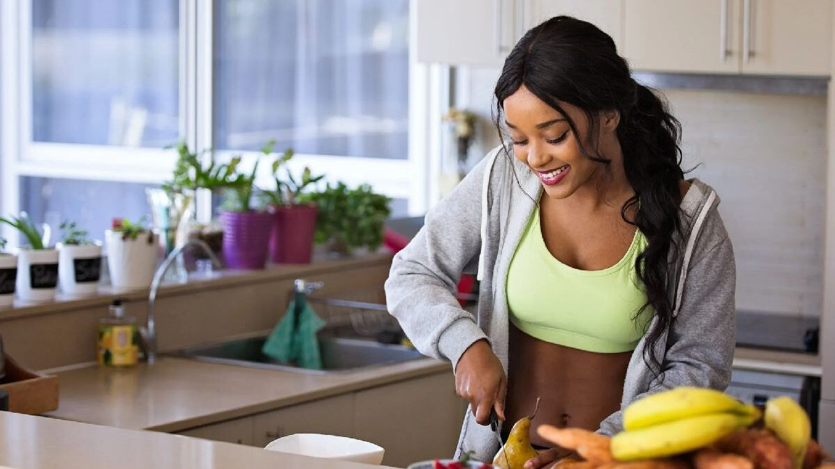 How Diet and Exercise Aid in Weight Loss
